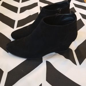 ⭐ Forever 21 booties!